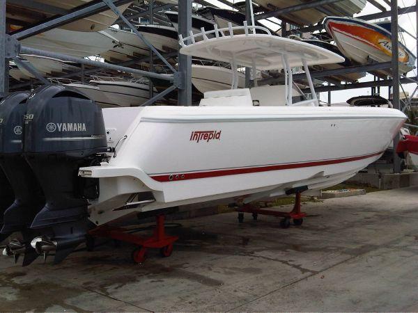 Intrepid 40 Open Starboard Quarter Profile