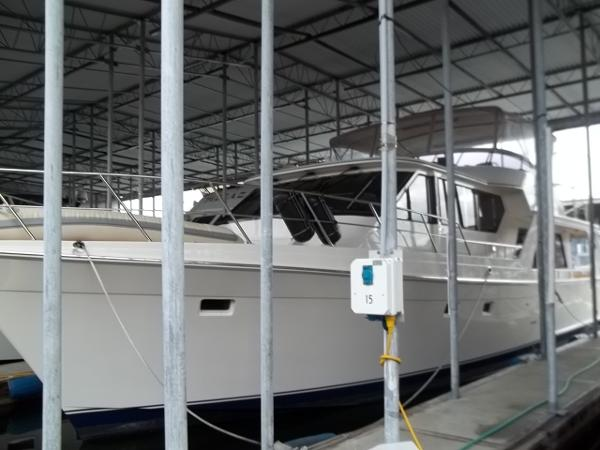 58 Offshore Kept in Covered Moorage Since New