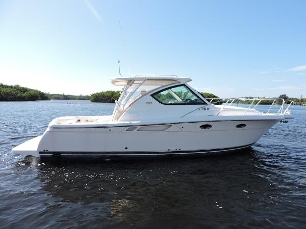 Tiara 3000 Open Profile