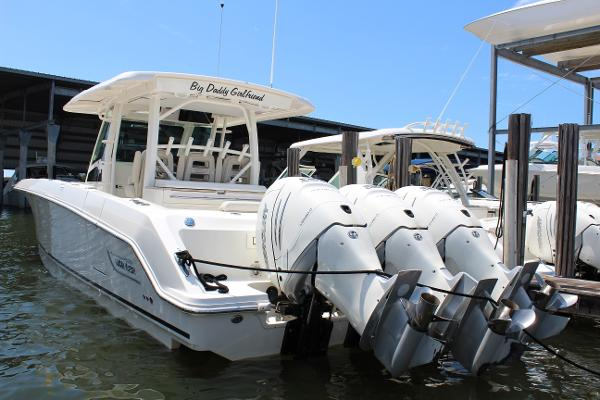 Boston Whaler 380 Outrage