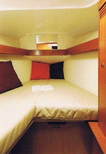 Beneteau Oceanis 31 - Fwd Cabin - brochure image
