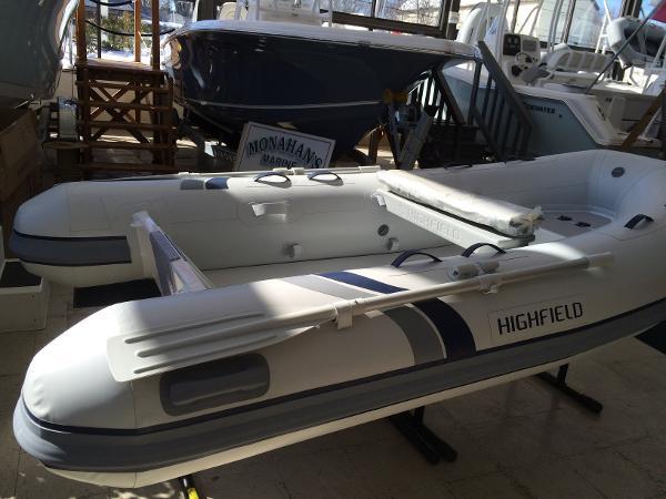 Highfield Classic  290 w/9.9 Yamaha LARGE TUBES