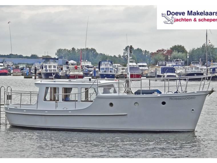 flush deck Motoryacht 9.30