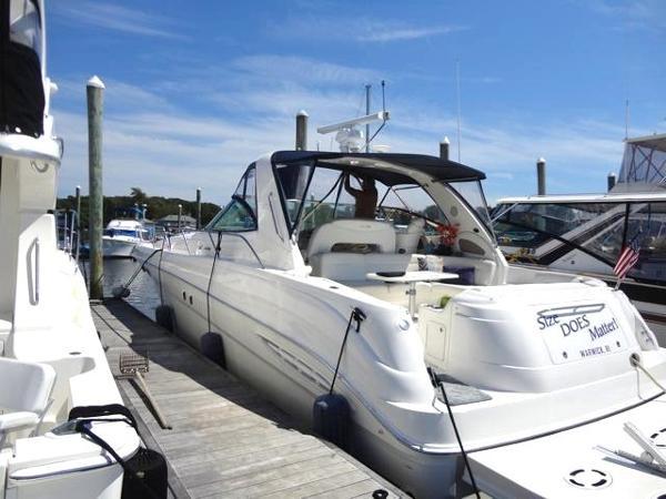 Sea Ray 460 Sundancer 460 At dock