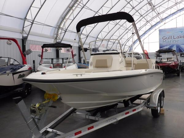 Boston Whaler 180 Dauntless Limited