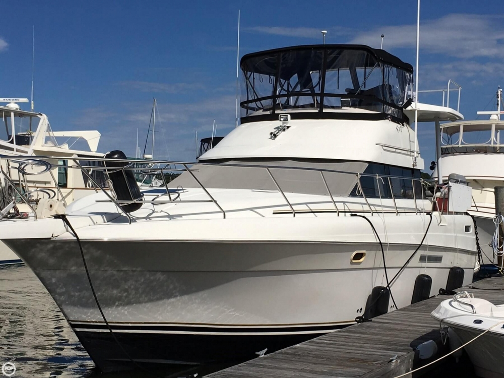 Silver Wave 41 Motoryacht 1995 Silverton 41 Motoryacht for sale in Mystic, CT