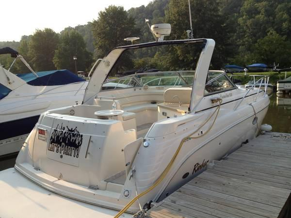 Rinker 320 Express Cruiser w/Trailer