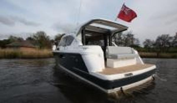 Broom 35 Coupe Stern