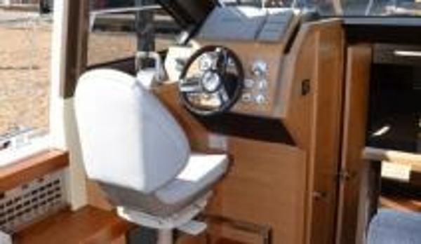 Broom 35 Coupe Helm