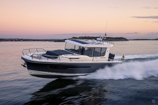Nimbus Commuter 11 Grosvenor Yachts - Nimbus Commuter 11 for sale in London and the United Kingdom