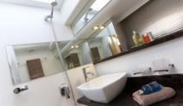 Broom 370 Bathroom