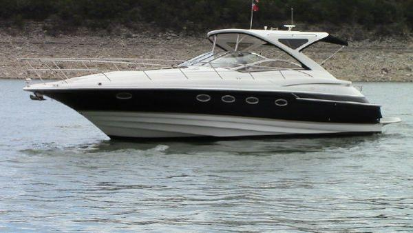 Regal 4460 Commodore In water view