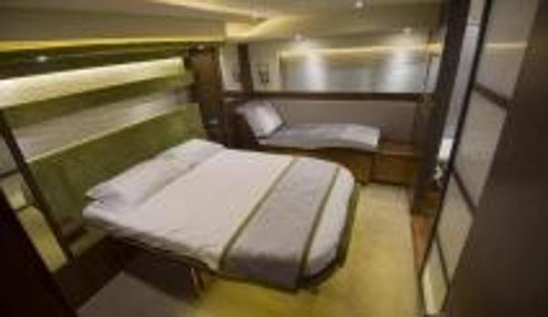 Broom 430 Cabin
