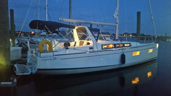 Beneteau Oceanis 38.1 Beneteau 38.1 Second Wind at Night
