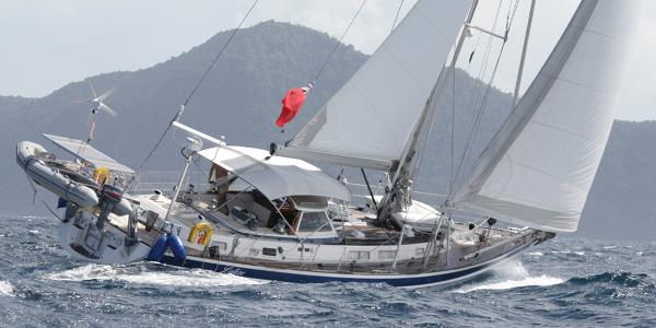 Hallberg-Rassy 53 Sailing