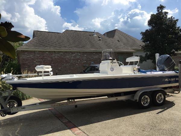 Blazer Boats 2420 Professional
