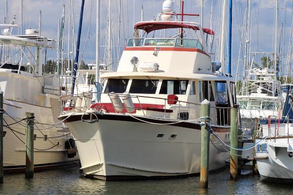Hatteras 53 Motoryacht Port Bow Profile