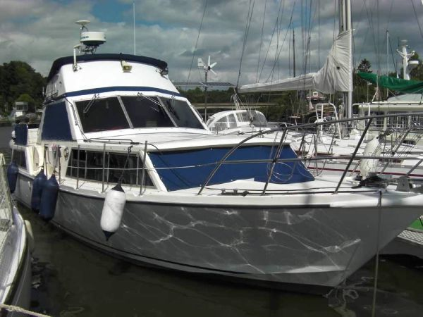 Custom Moonraker 36 Exterior