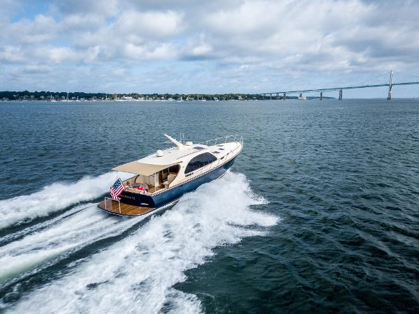 Palm Beach Motor Yachts PB52