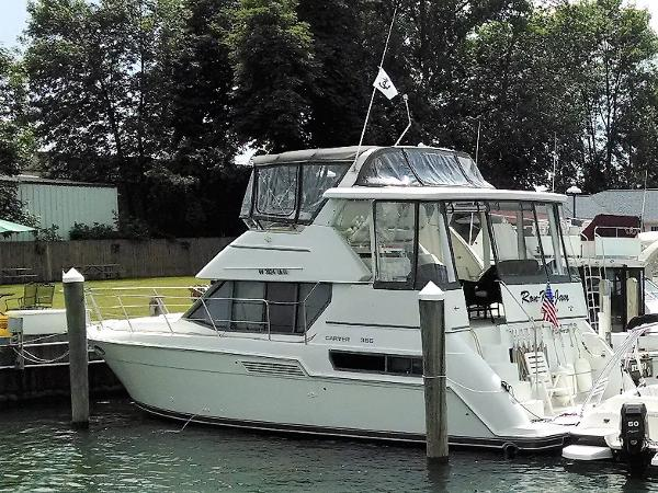 Carver 355 Aft Cabin Motor Yacht port stern view
