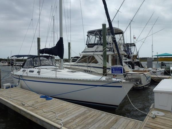 Hunter Legend 37 Starboard View Dockside