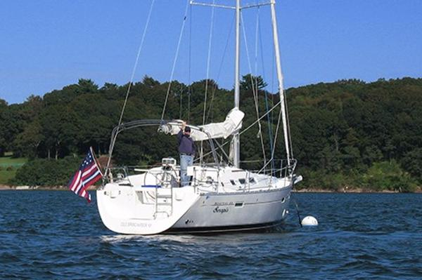 Beneteau 373 On mooring