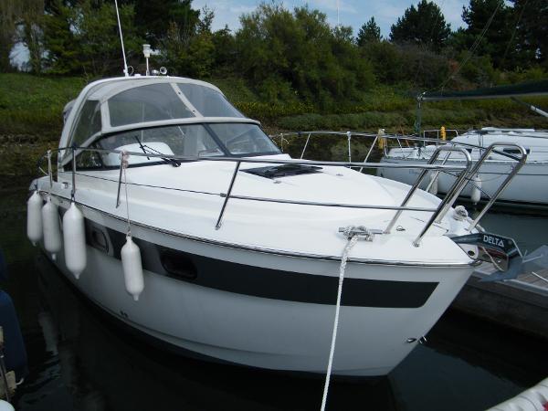 Bavaria Sport 29 Starboard bow