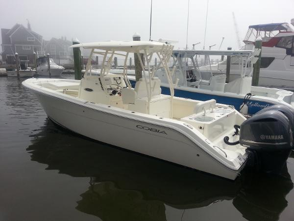 Cobia 296 Center Console 2015 Cobia 296 CC