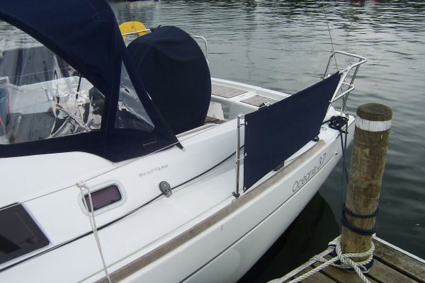Beneteau Oceanis 37 -  Dodgers and wheel cover