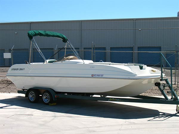 Smoker Craft 2310 Deck Boat