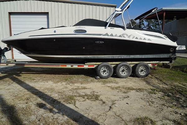 Sea Ray 280 Sundeck Profile (Trailer not included)