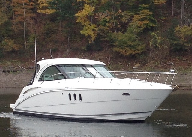 Cruisers Yachts 390 sport coupe
