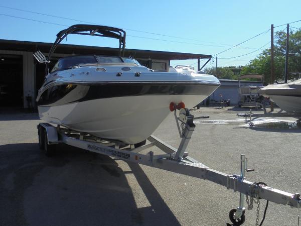 Hurricane Sun Deck 2400