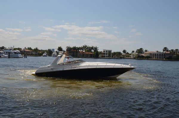 Fountain 38 Express Cruiser Profile