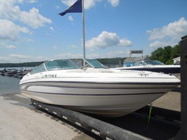 Chaparral 2330 SS