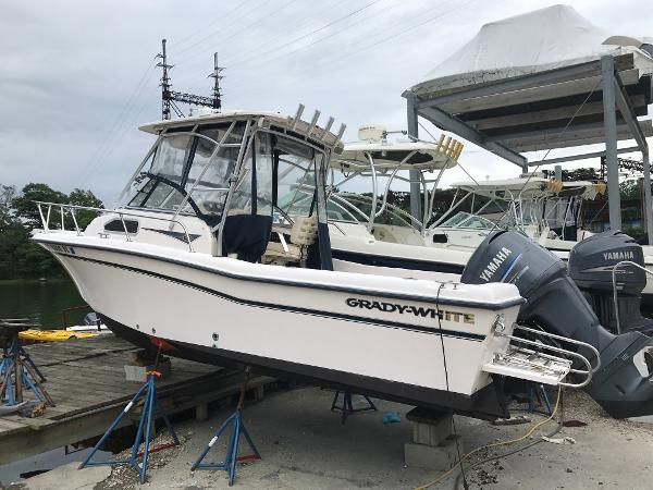 Grady-White Seafarer 226