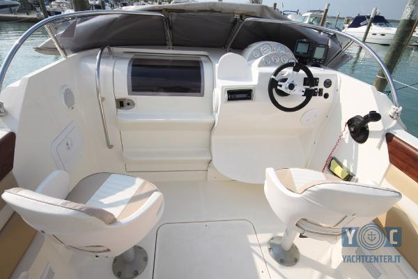 Quicksilver ACTIVE 640 CABIN IMG_0311