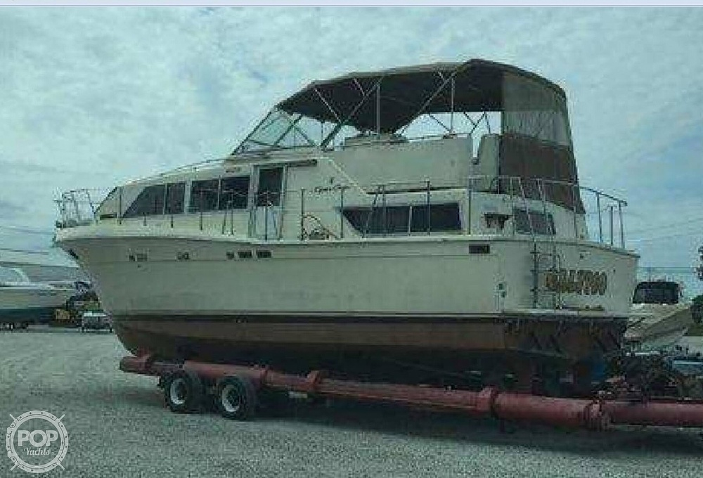 Chris-Craft Catalina 381 1985 Chris-Craft 381 Catalina for sale in Toledo, OH