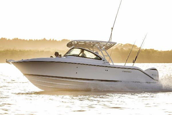 Pursuit DC 235 Dual Console Boat underway (Manufacturer photo)