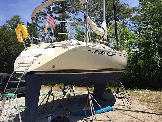 Beneteau First 345 1984 Beneteau 35 for sale in New Bern, NC