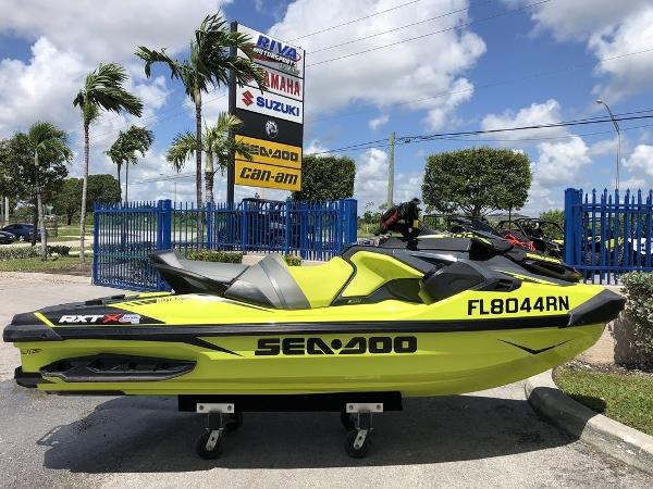 Sea-Doo RXT®-X® 300