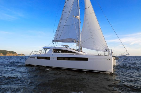 Privilege 515 Sailing