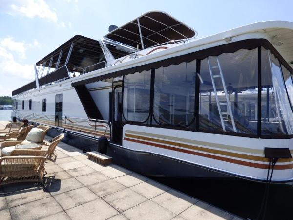 Sumerset Houseboats 19x101