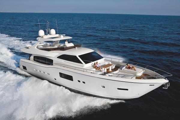 Ferretti Yachts Altura 840 Ferretti Altura 840