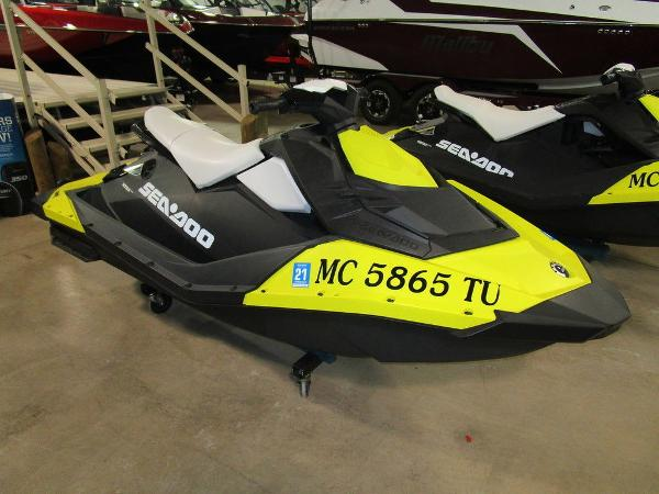 Sea-Doo Spark 2up IBR ROTAX® 900 HO ACE™ Convenience Package