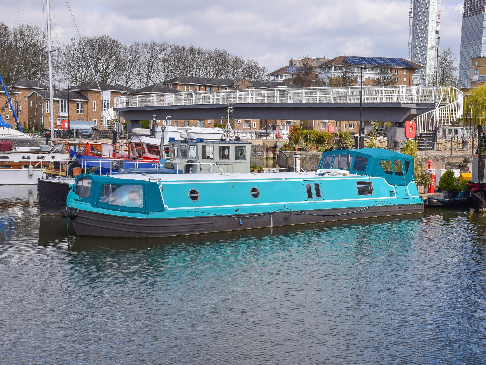 Wide Beam 50ft with London mooring