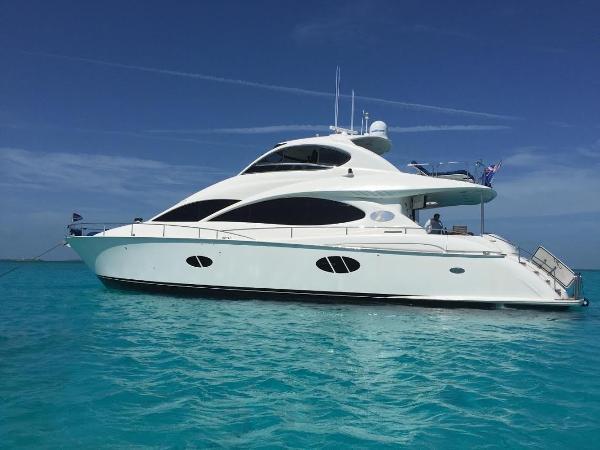Lazzara Yachts 68 Motoryacht