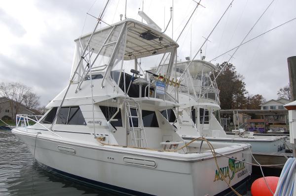 Phoenix 34 SFX Convertible 34 Phoenix Convertible, port stern quarter
