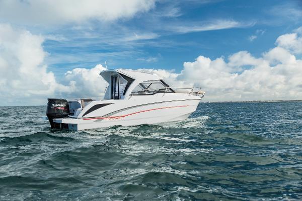 Beneteau Antares 7 Power Boat Beneteau Antares 7 Profile