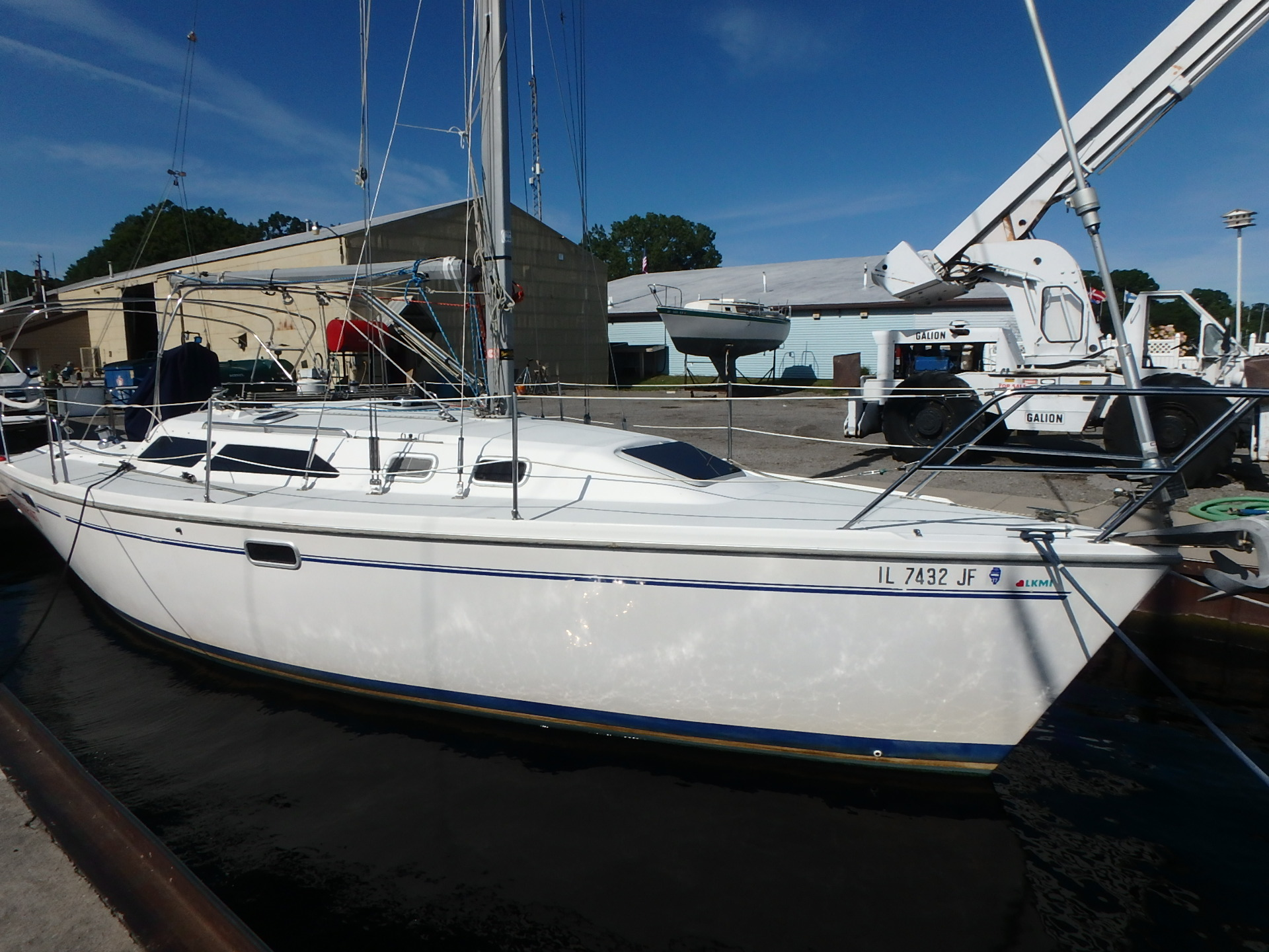 Catalina 320 At dock